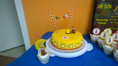 My cake! I loved this cake - it turned out just how I wanted it. And that's Matthew's cupcake and candle!
